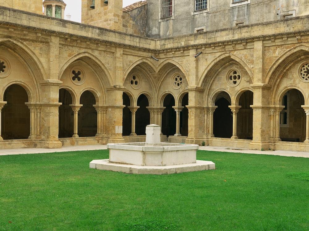 Claustro da Sé Velha de Coimbra