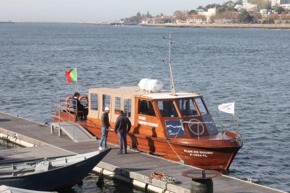 Barco travessia afurada-porto