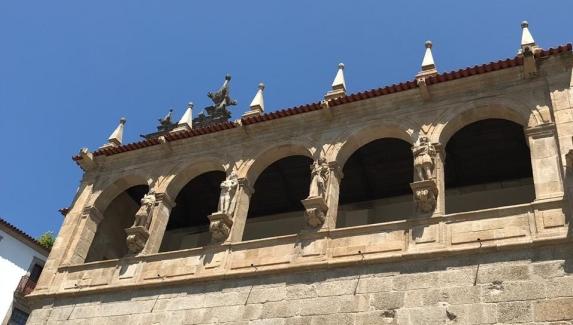 fachada ingreja mosteiro amarante